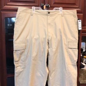 Men's Chaps Cargo Khakis Pants 46 x 32 New
